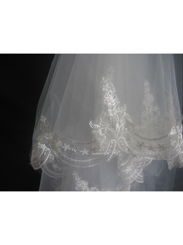3-Layer Fingertip Wedding Veil with Applique Edge