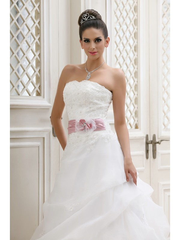 Strapless A-line Chapel Ruched Taline's Wedding Dress