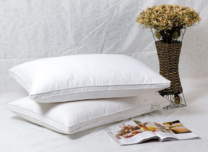 Queen Size White Duck Down Pillow