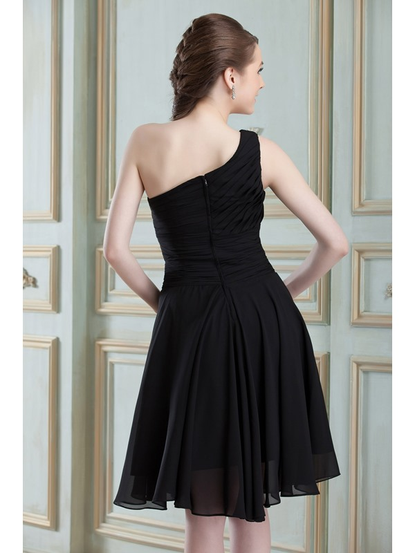 Knee-length A-Line Black Ruched One Shoulder Bridesmaid Dress(Free Shipping)