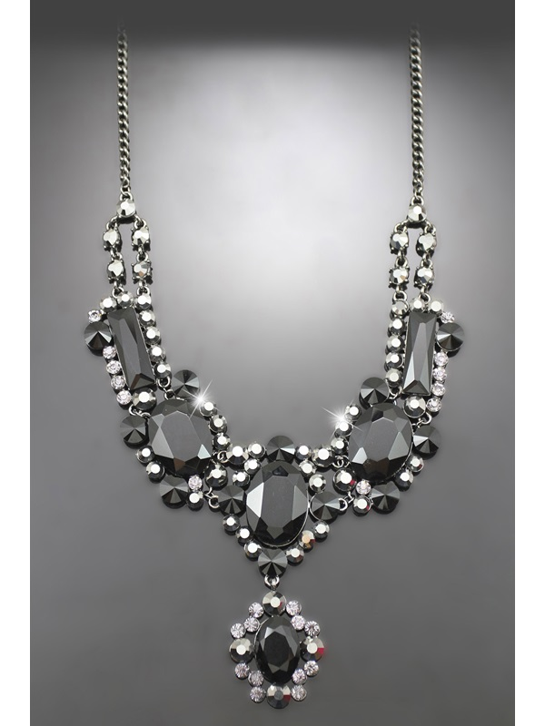 Charming Alloy with Rhinestone Wedding Jewelry Set(Including Necklace and Earrings)
