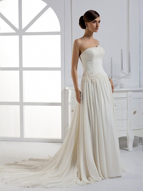 Charming A-line Floor-length Strapless Chapel Train Wedding Dress