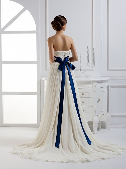 Elegant Empire Waist A-Line Strapless Sashes Court Train Wedding Dress