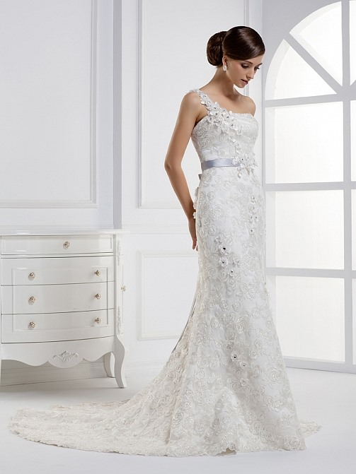 Charming Mermaid One-shoulder Chapel Flowered Floor-length Train Wedding Dress