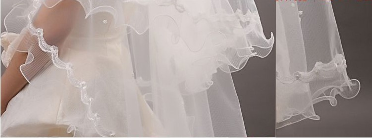Beautiful Pearls Elbow Wedding Veil With Lace Applique Edge