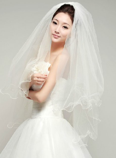 High quality Fingertip Wedding Bridal Veil with Lace Flowery Edge
