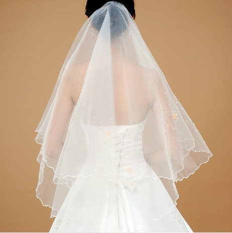Pretty Fingertip Wedding Bridal Veil with Pearls