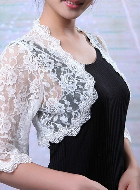Gorgeous Half Sleeve White Lace Wedding Bolero Jacket with Floral Edge