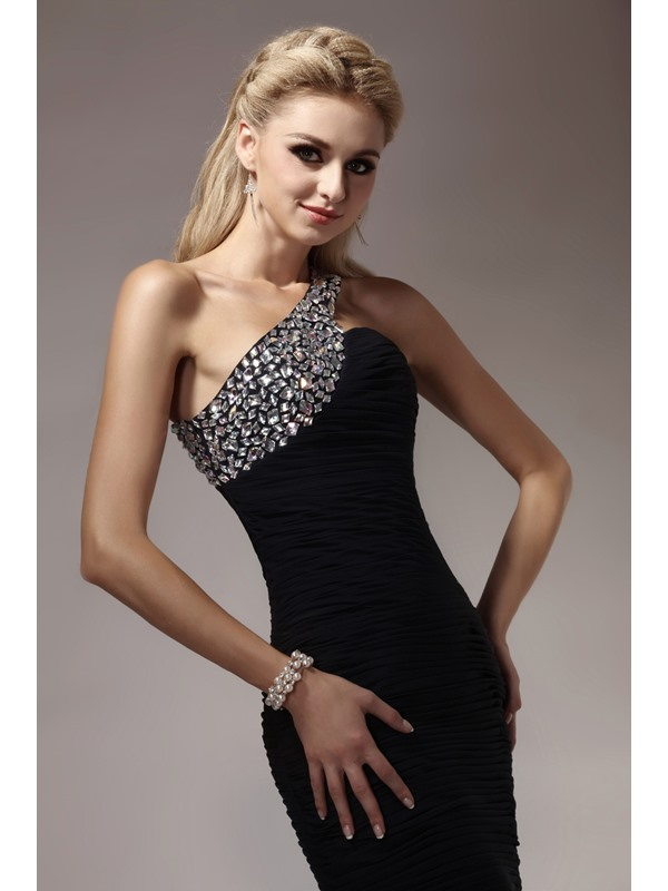 Sheath One-Shoulder Beading Ruched Cocktail Dress