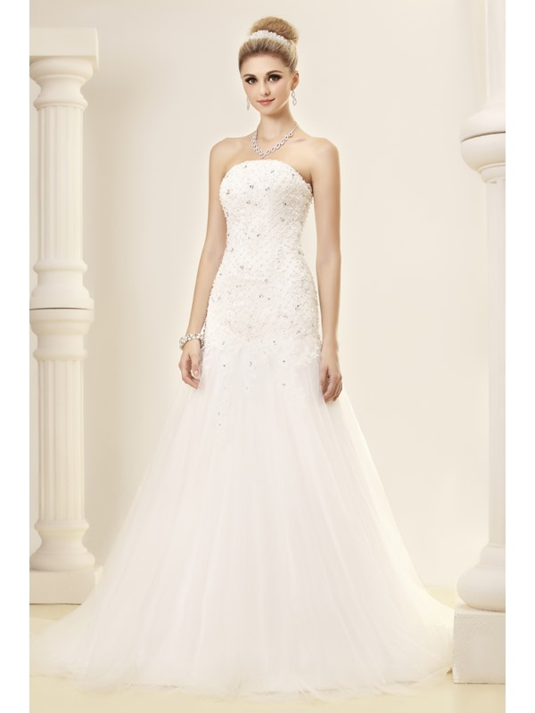 ELegant Slight Mermaid/Trumpet Court Train Strapless Dasha's Wedding Dress